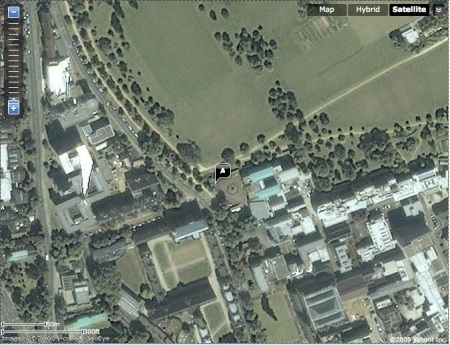 Yahoo Aerial Imagery for 51.75982, -1.25724